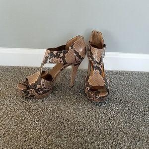 Nine west snake skin heels